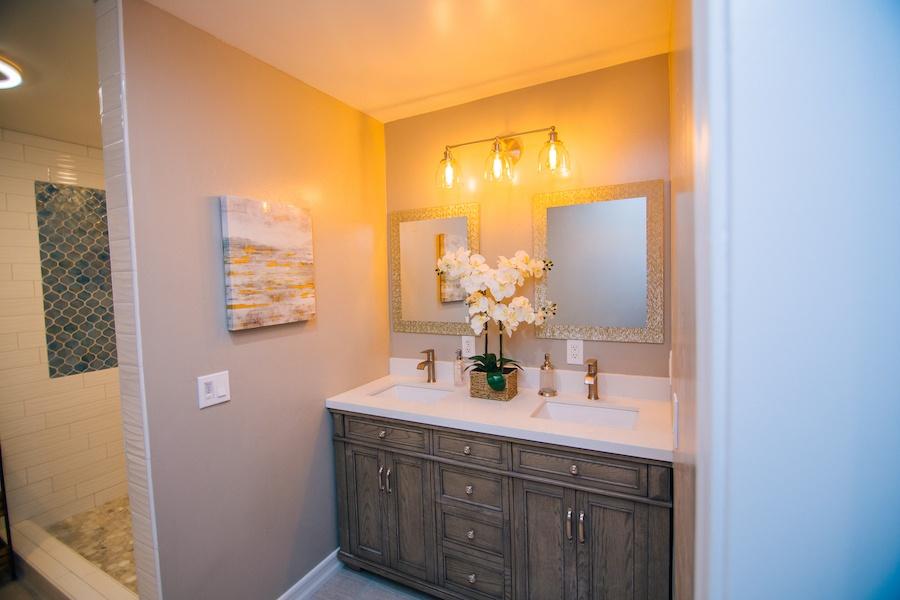 Ezra Lane Master Bathroom 01