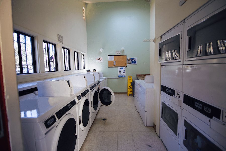 Black Mountain Rd. Laundry 02