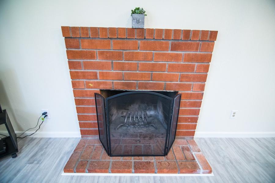 10335 Thanksgiving Ln Fireplace