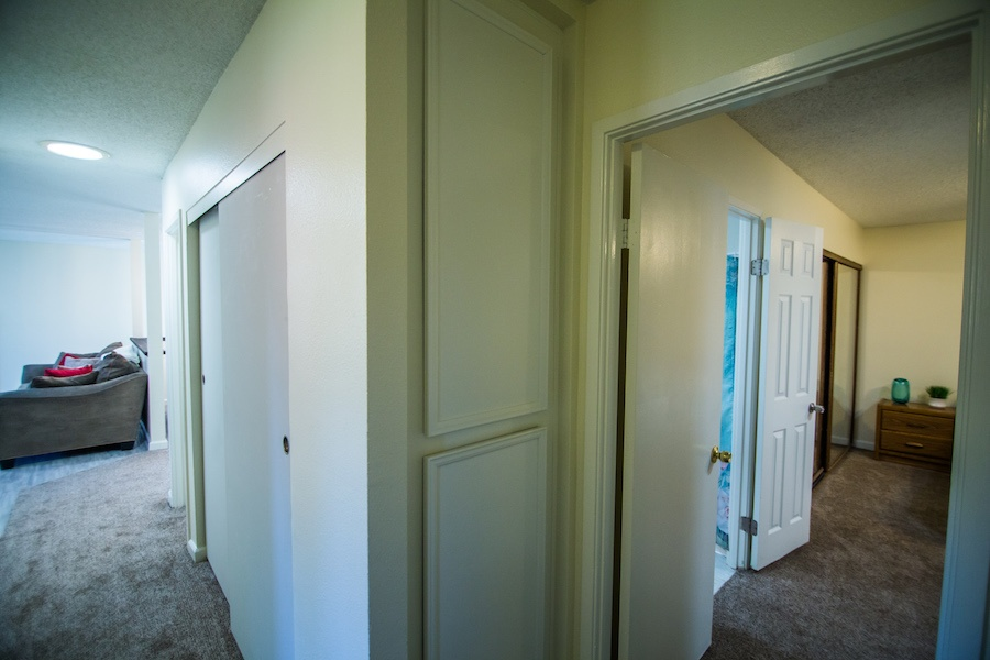 10335 Thanksgiving Ln Hallway 02