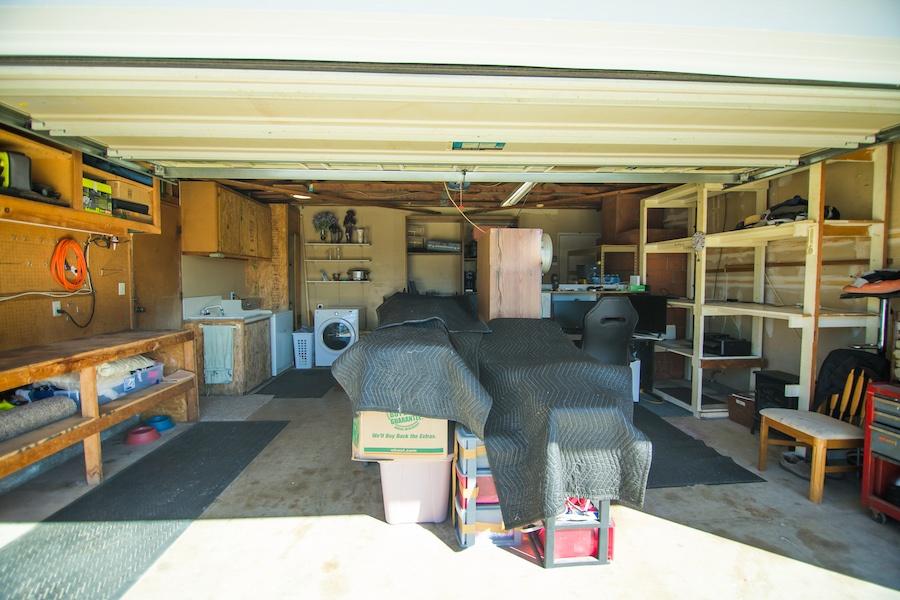 10335 Thanksgiving Ln Garage 01